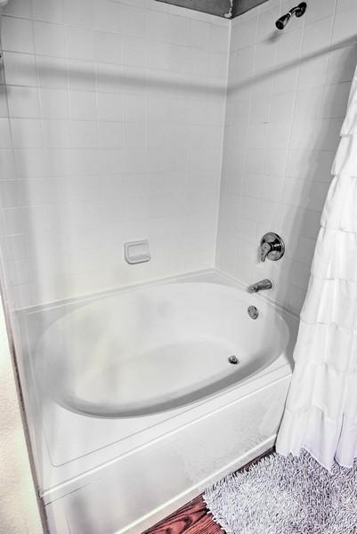Garden tub in apartment bathroom