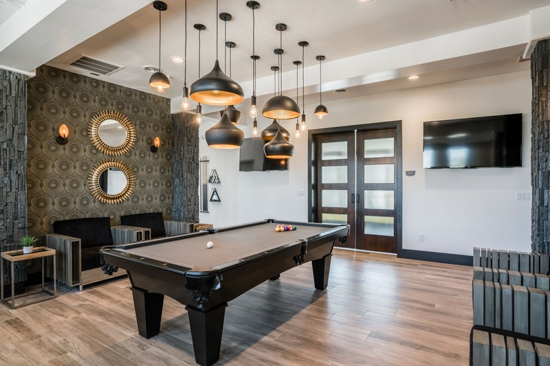 Entertainment lounge with pool table
