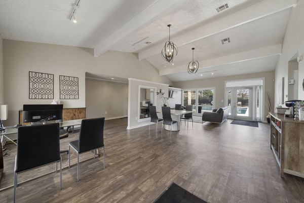 Leasing office. Click to view the photo gallery.
