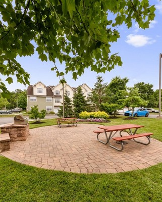 Picnic and grilling area. Click to view the photo gallery.