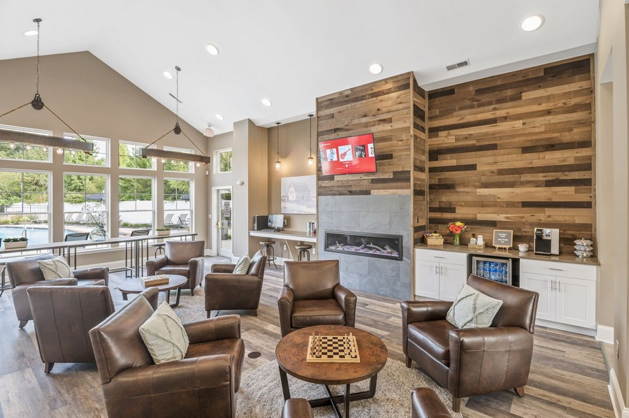 Clubhouse Lounge and Coffee Bar