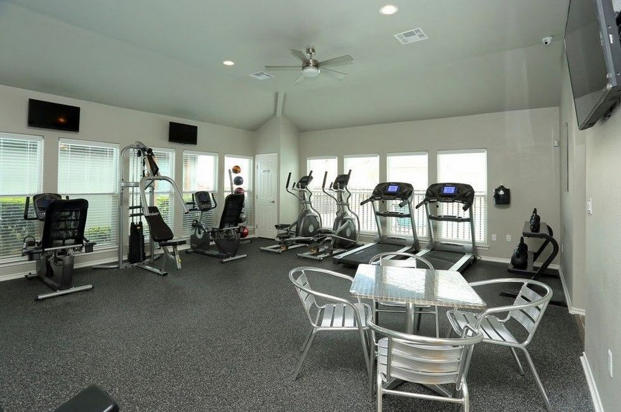 Fitness center with exercise machines.