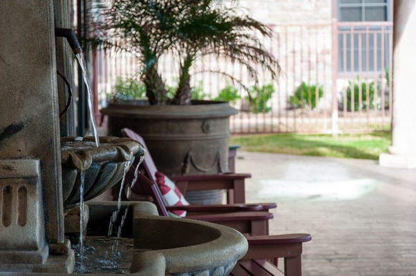 Outdoor water feature and seating. Click to view the photo gallery.