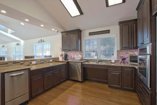 Clubhouse kitchen. Click to view the photo gallery.