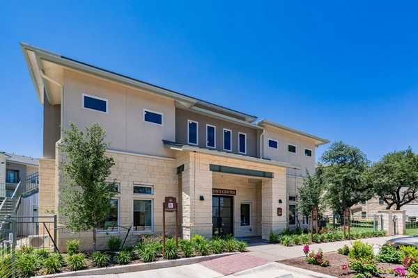Professionally Managed by Magnolia Property Company. Click to view the photo gallery.