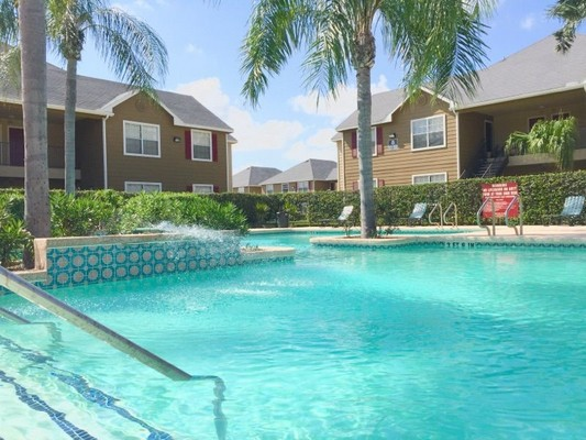 Swimming pool. Click to view the photo gallery.