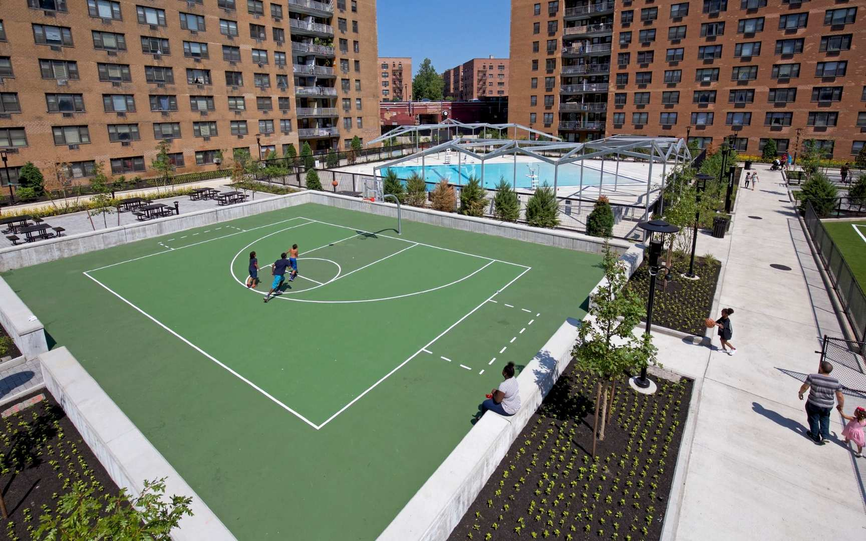 Amenity Courtyard East Basketball