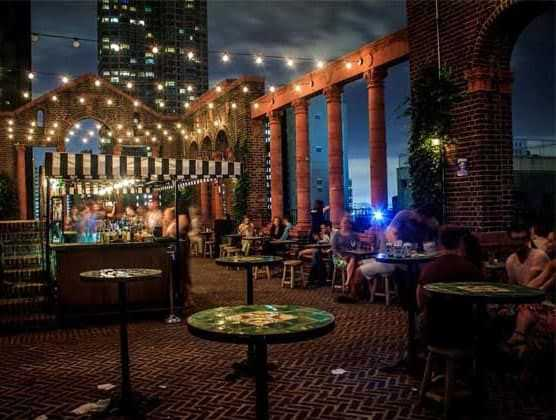The Best Bars near Apartments in Manhattan
