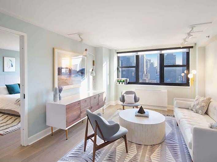 Easy Living in Manhattan Apartments